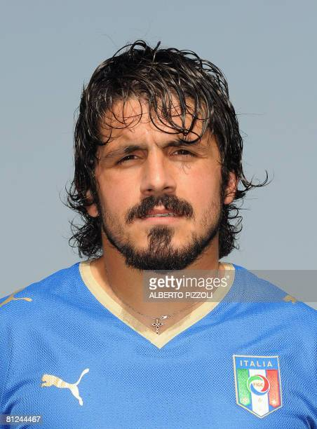 Italy's midfielder Gennaro Gattuso poses on May 27 2008 during Italy's national football team training session ahead of their Euro 2008 at the...