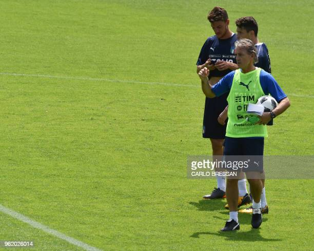 Italy's national football team new coach Roberto Mancini leads a training session on May 24 2018 at Coverciano's training camp near Florence