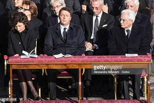 Italy's Prime Minister Matteo Renzi wife Agnese Renzi and President Sergio Mattarella attend the closing mass of the Extraordinary Jubilee of Mercy...