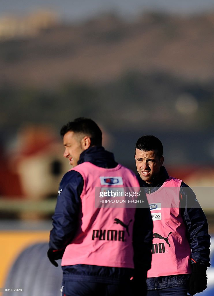 Italy's striker Antonio Di Natale and striker Fabio Quagliarella train at Irene's Southdowns College, south of Pretoria on June 15, 2010. The 2010 World Cup hosted by South Africa continues through July 11. AFP PHOTO/Filippo MONTEFORTE