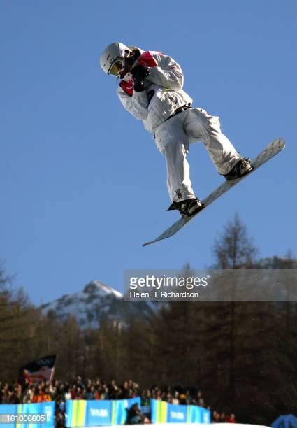 02_13_2006_BARDONECCHIA ItalyWOMENS SNOWBOARDING HALFPIPE American Gretchen Bleiler gets some air on her final run of the Women's Snowboard Halfpipe...