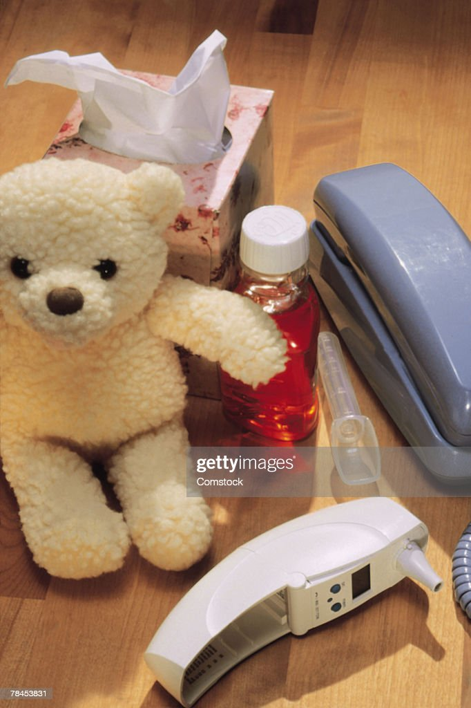 Items needed for care of a sick child : Stockfoto
