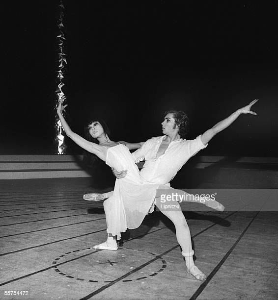 Itomi Asakawa Jorge Donn in Romeo and Juliette Hector Berlioz's music Choreography of Maurice Bejart Ballets Bejart Paris Palais of sports December...