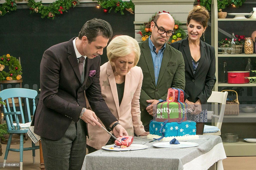 """ABC's """"The Great Holiday Baking Show"""" : News Photo"""