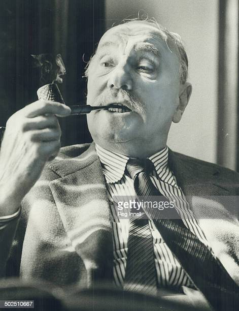 It's a difficult play says Sir Ralph Richardson of Pinter's No Man's Land which opens Monday It's very obscure like some modern painting For some...