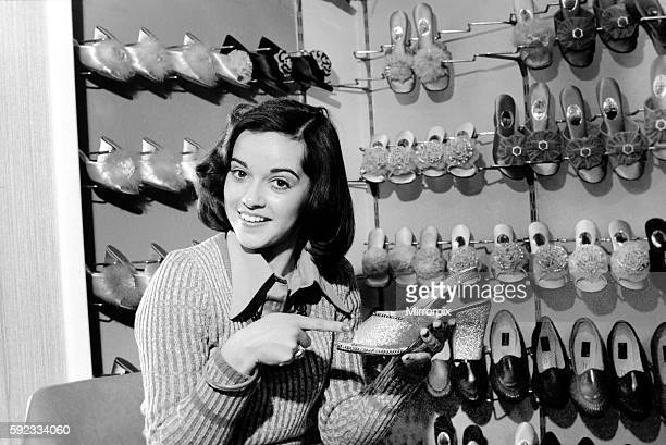 It's a little bit tough for Gemma as she takes a small size 2 1/2 which isn't always stocked April 1975 752104006