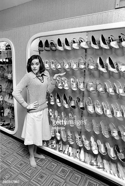 It's a little bit tough for Gemma as she takes a small size 2 1/2 which isn't always stocked April 1975 752104002