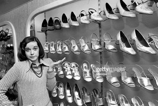 It's a little bit tough for Gemma as she takes a small size 2 1/2 which isn't always stocked April 1975 752104003