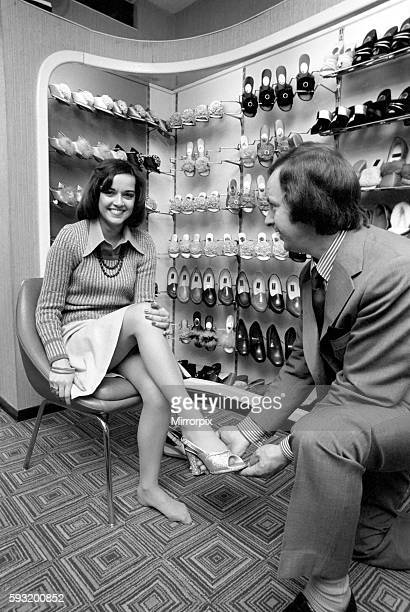 It's a little bit tough for Gemma as she takes a small size 2 1/2 which isn't always stocked April 1975 752104008