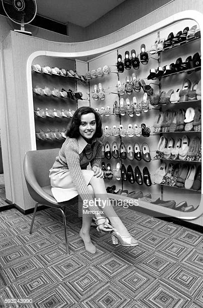 It's a little bit tough for Gemma as she takes a small size 2 1/2 which isn't always stocked April 1975 752104007