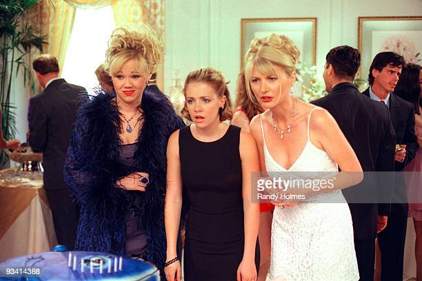 WITCH 'It's a Mad Mad Season Opener' Season Three 9/25/98 Aunt Hilda is envious when Aunt Zelda invites Mr Kraft to be her date at the school dance...