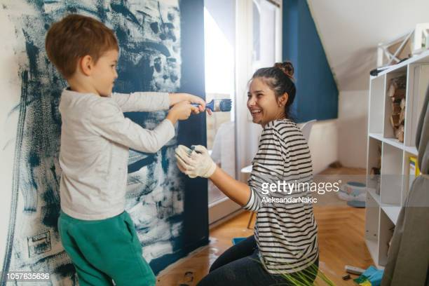 its a paint fight - single mother stock pictures, royalty-free photos & images