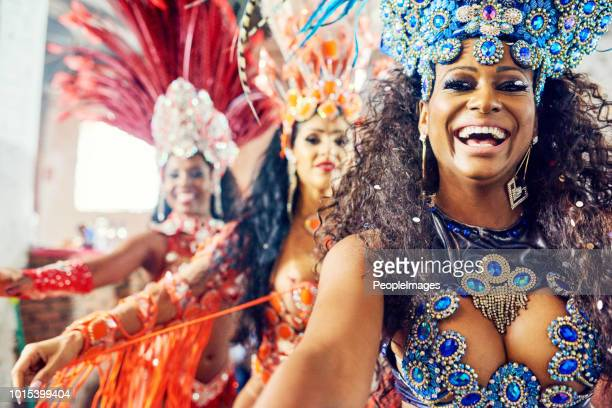 it's a samba extravaganza - mardi gras stock pictures, royalty-free photos & images