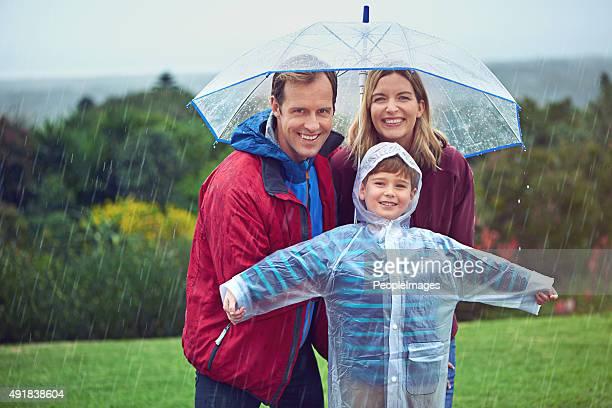 It's all smiles in the rain