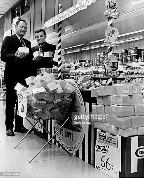 JUN 21 1971 JUN 25 1971 It's National Dairy Month T H Gremminger left district manager for Kraft Foods and Art Jones supervisor for Albertson's super...