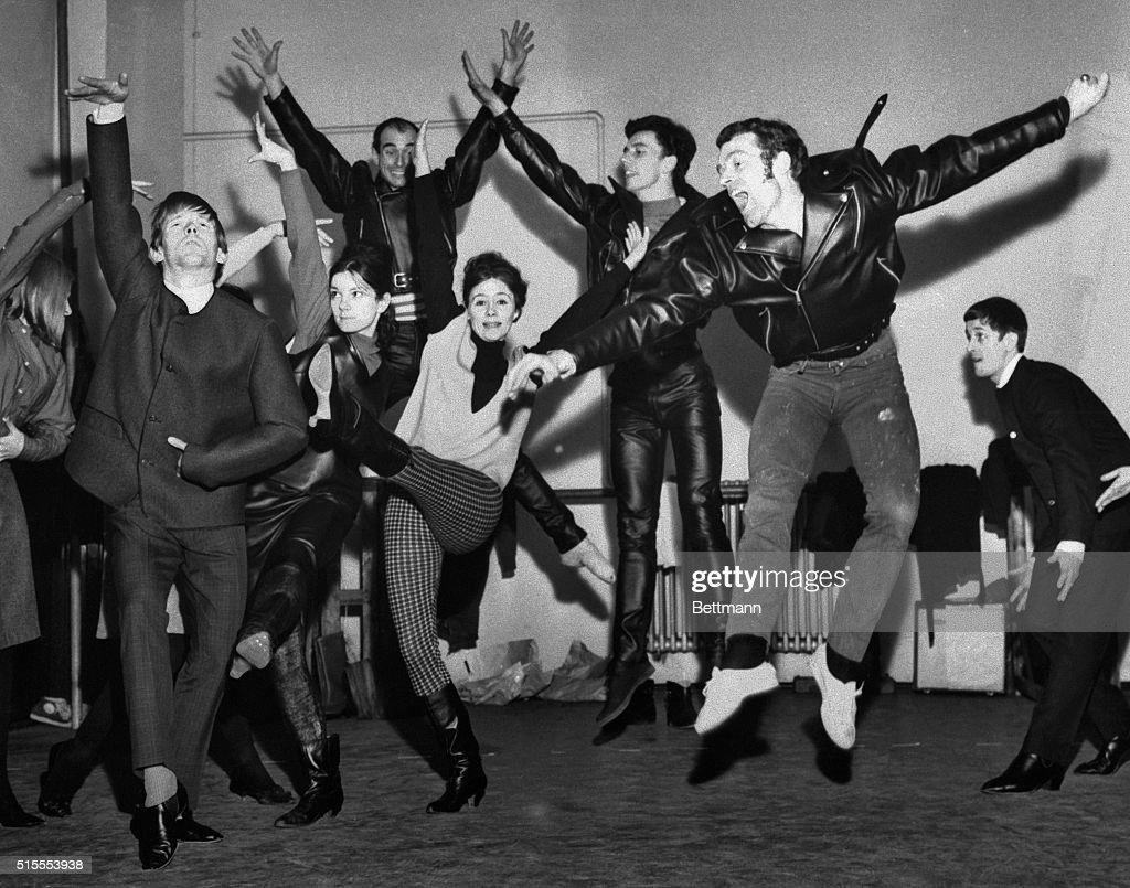 Dancers Dancing by Beatle Score : News Photo
