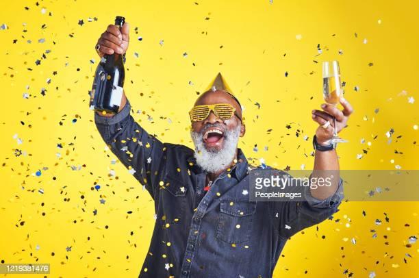 het is tijd om te vieren! - party stockfoto's en -beelden