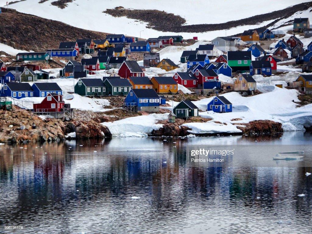 Ittoqqortoormiit, aka Scoresbysund, Eastern Greenland : ストックフォト