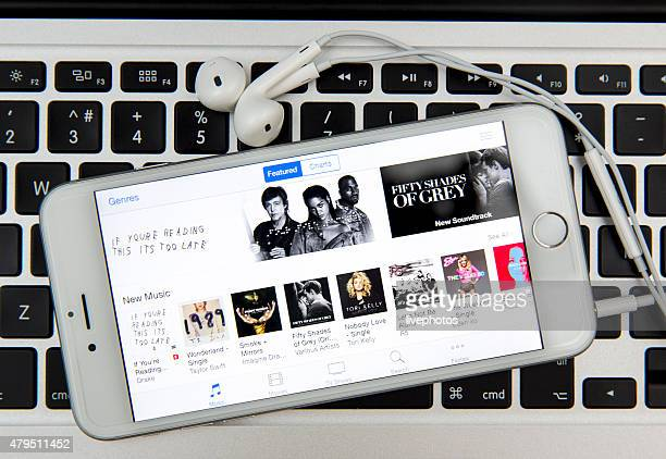 itunes music - copyright stock photos and pictures
