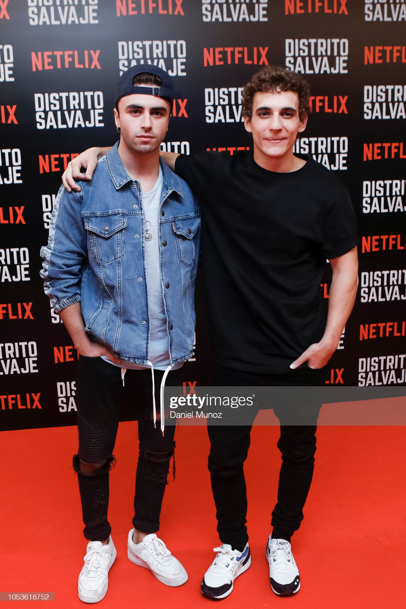¿Cuánto mide Itzan Escamilla? - Altura Itzan-escamilla-and-miguel-herran-pose-at-the-red-carpet-of-the-picture-id1053618752?s=2048x2048