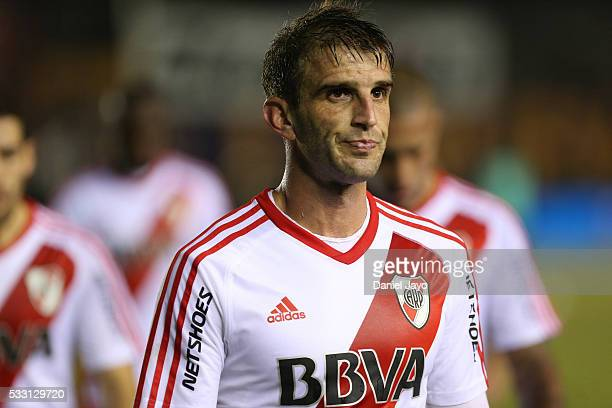 Ivan Alonso of River Plate leaves the field at the end of the first half during a match between Arsenal FC and River Plate as part of round 16 of...
