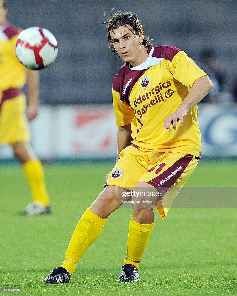 Ivan Castiglia of AS Cittadella in action during the Serie B match between Ascoli Calcio and AS Cittadelle at Stadio Cino e Lillo Del Duca on November 7, 2009 in Ascoli Piceno, Italy.