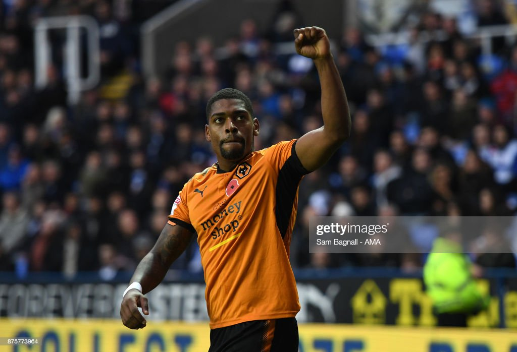 Ivan Cavaleiro of Wolverhampton Wanderers celebrates after scoring a goal to make it 0-1 during the Sky Bet Championship match between Reading and Wolverhampton at Madejski Stadium on November 18, 2017 in Reading, England.