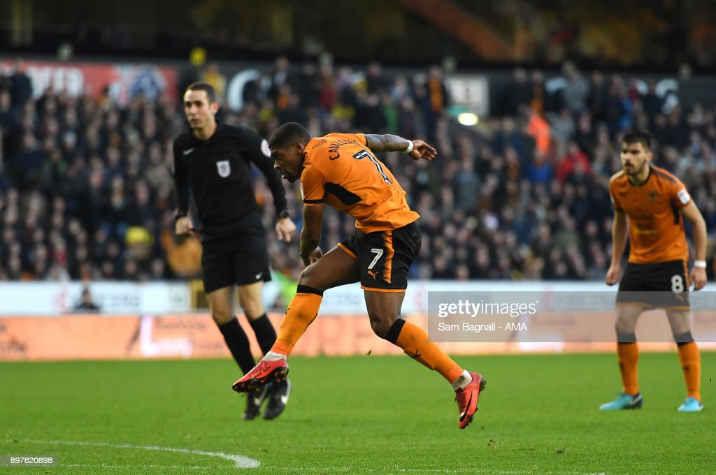 Ivan Cavaleiro of Wolverhampton Wanderers scores a goal to make it 1-0 during the Sky Bet Championship match between Wolverhampton and Ipswich Town at Molineux on December 23, 2017 in Wolverhampton, England.