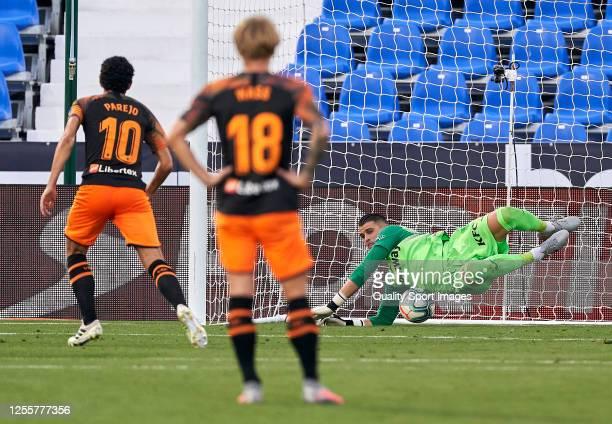 Ivan Cuellar of CD Leganes stops a penalty to Daniel Parejo of Valencia CF during the Liga match between CD Leganes and Valencia CF at Estadio...