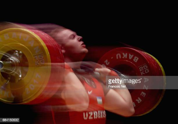 Ivan Efremov of Uzbekistan competes in the Men's Weighlifting 105 kg finals during day three of Baku 2017 4th Islamic Solidarity Games at...