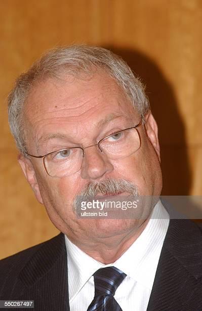 Ivan Gasparovic anlässlich eines Vortrages vor Mitgliedern der Deutschen Gesellschaft für auswärtige Politik in Berlin