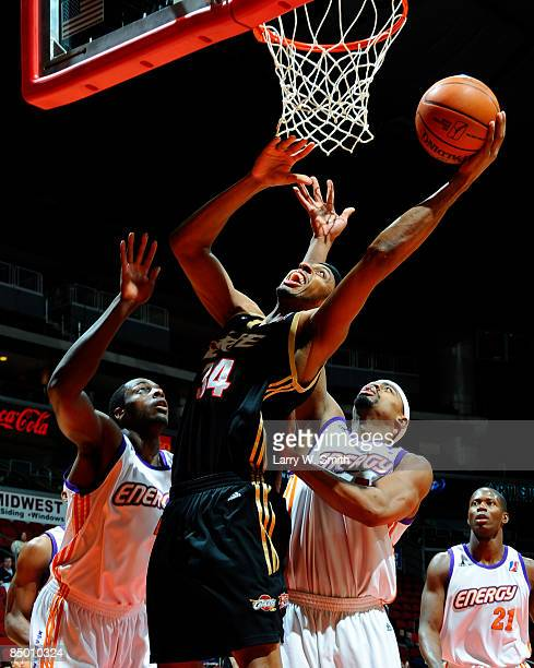 Ivan Harris of the Erie Bayhawks goes for a basket against the Iowa Energy on February 23 2009 at Wells Fargo Arena in Des Moines Iowa NOTE TO USER...