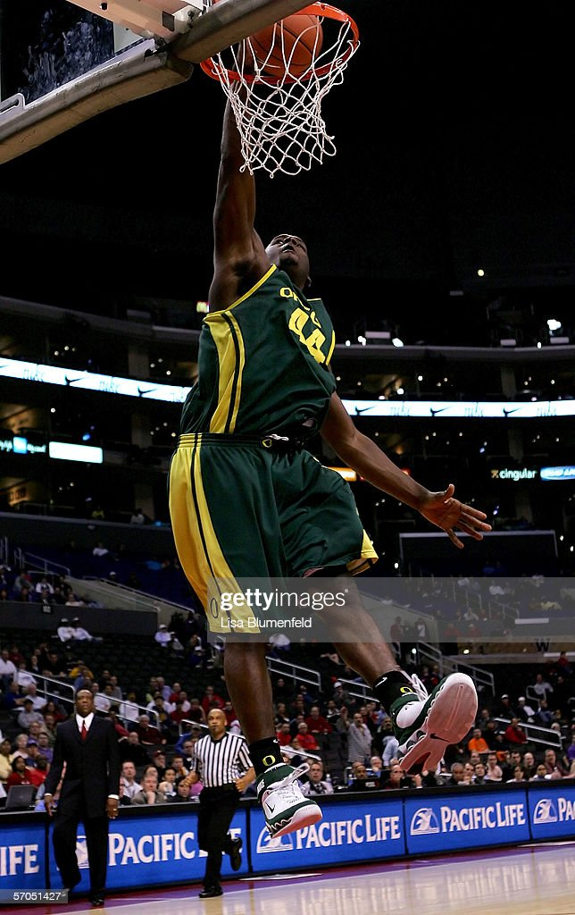 Ivan Johnson #44 of the Oregon Ducks slam dunks in the final moments of the Ducks' win over the Washington Huskies during the quarterfinals of the 2006 Pacific Life Pac-10 Men's Basketball Tournament on March 9, 2006 at Staples Center in Los Angeles, California. Oregon defeated Washington 84-73.