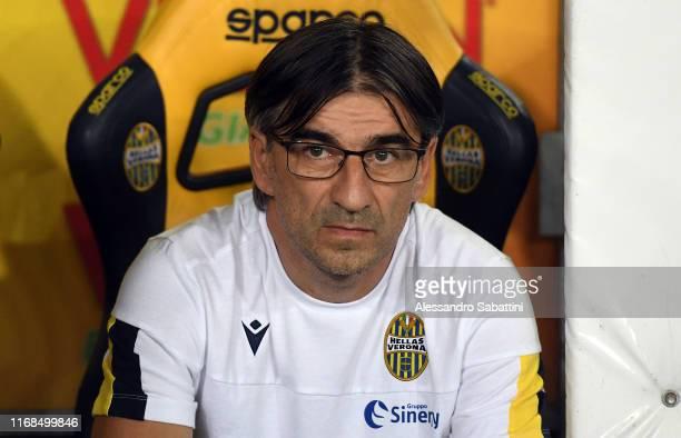 Ivan Juric head coach of Hellas Verona looks on during the Serie A match between Hellas Verona and AC Milan at Stadio Marcantonio Bentegodi on...