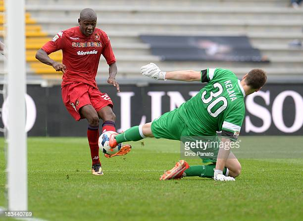 Ivan Kelava goalkeeper makes a save at the feet of Victor Ibarbo of Cagliari during the Serie A match between Udinese Calcio and Cagliari Calcio at...