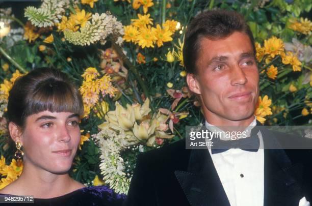 Ivan Lendl et son amie Samantha Frankel à la soirée donnée à l'occasion des Internationaux de France au stade RolandGarros le 2 juin 1987 à Paris...