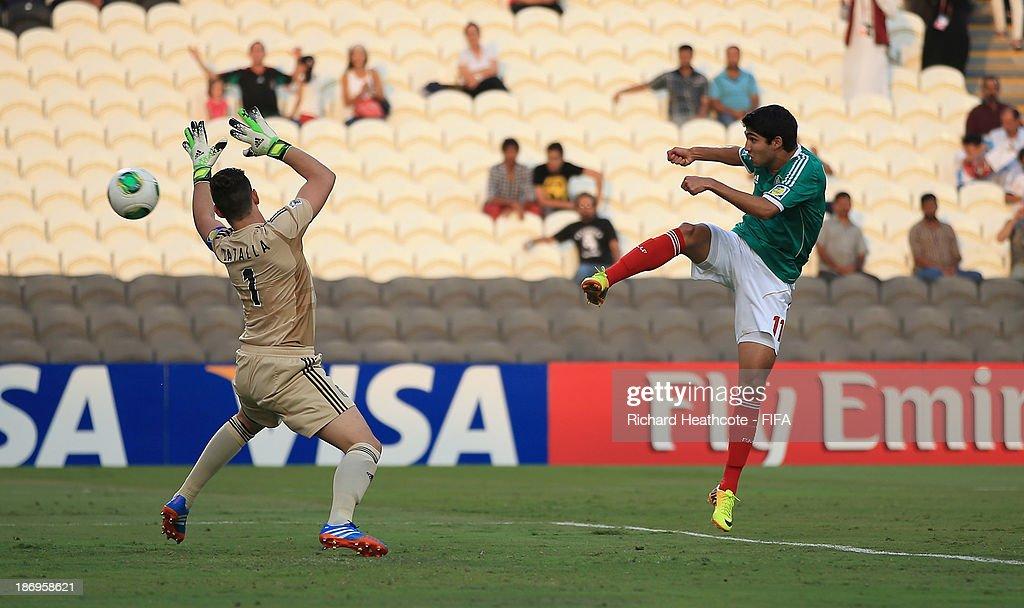 Argentina v Mexico: Semi Final - FIFA U-17 World Cup UAE 2013 : News Photo
