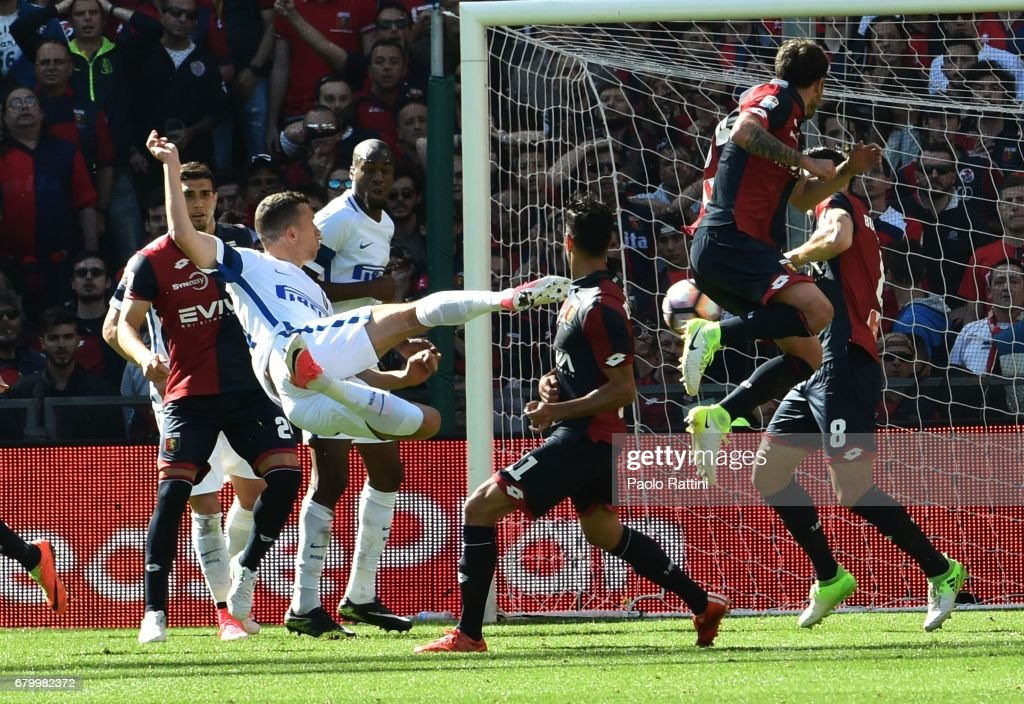 Ivan Perisic (Inter) in action during the Serie A match between Genoa CFC and FC Internazionale at Stadio Luigi Ferraris on May 7, 2017 in Genoa, Italy.