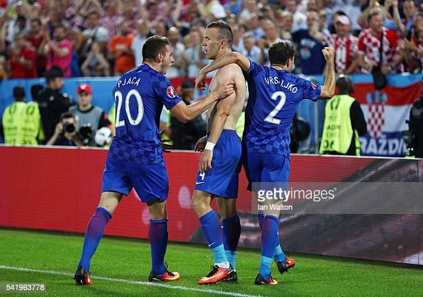 Ivan Perisic of Croatia celebrates scoring his team's second goal with his team mates Marko Pjaca and Sime Vrsaljko during the UEFA EURO 2016 Group D...