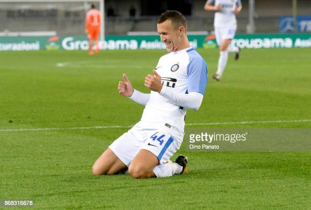 Ivan Perisic of FC Internazionale celebrates after scoring his team's second goal during the Serie A match between Hellas Verona FC and FC...