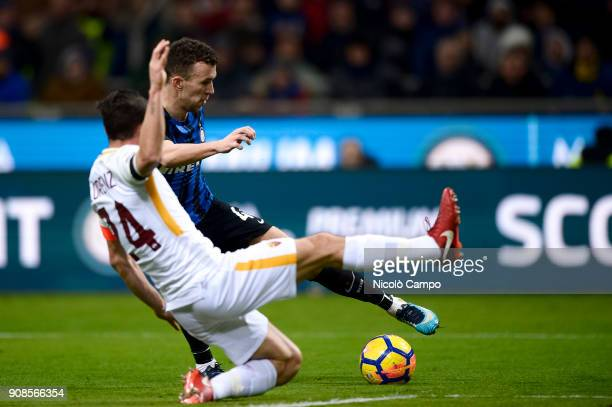 Ivan Perisic of FC Internazionale competes for the ball with Alessandro Florenzi of AS Roma during the Serie A football match between FC...