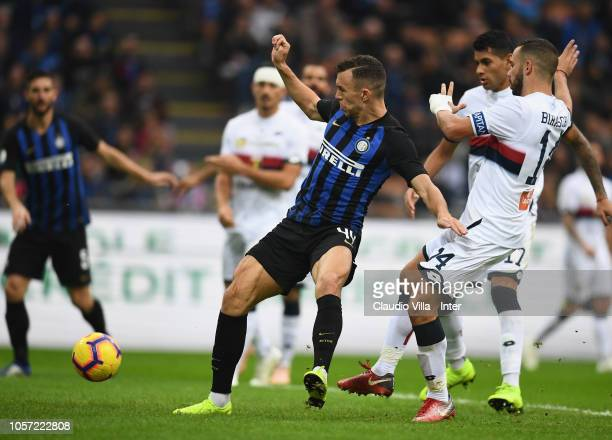 Ivan Perisic of FC Internazionale in action during the Serie A match between FC Internazionale and Genoa CFC at Stadio Giuseppe Meazza on November 3...