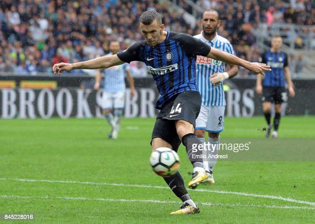 Ivan Perisic of FC Internazionale Milano scores his goal during the Serie A match between FC Internazionale and Spal at Stadio Giuseppe Meazza on...