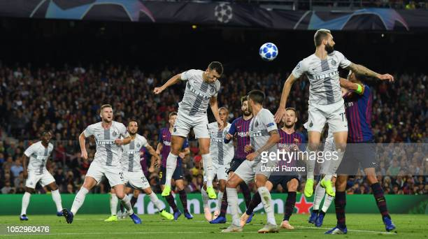 Ivan Perisic of Inter Milan clears the ball during the Group B match of the UEFA Champions League between FC Barcelona and FC Internazionale at Camp...