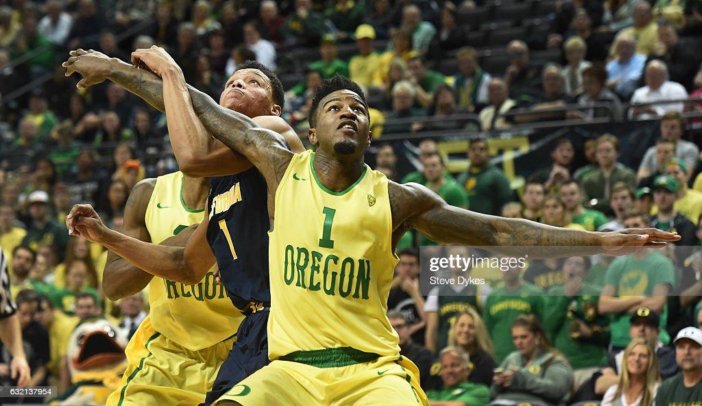 California v Oregon : News Photo