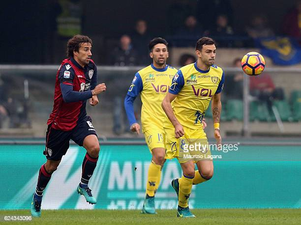 Ivan Radovanovic of Chievo competes for the ball with Davide Di Gennaro of Cagliari during the Serie A match between AC ChievoVerona and Cagliari...