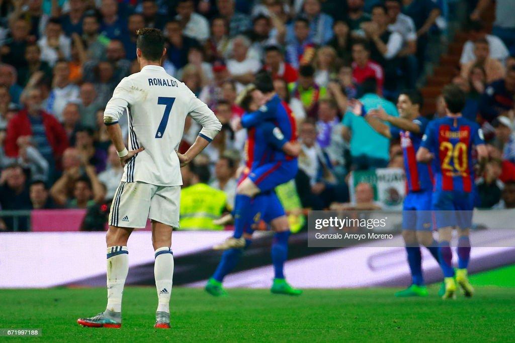 Real Madrid CF v FC Barcelona - La Liga : Foto di attualità