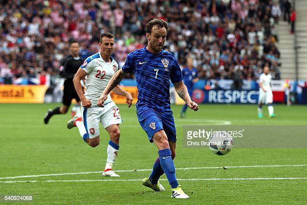 Ivan Rakitic of Croatia scores his side's second goal during the UEFA Euro 2016 Group D match between the Czech Republic and Croatia at Stade...
