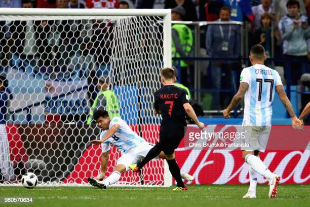 Ivan Rakitic of Croatia scores his sides third goal during the 2018 FIFA World Cup Russia group D match between Argentina and Croatia at Nizhny...