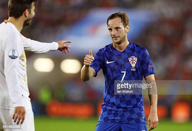 Ivan Rakitic of Croatia thumbs up during the UEFA EURO 2016 Group D match between Croatia and Spain at Stade Matmut Atlantique on June 21 2016 in...